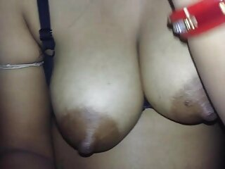 बड़े स्तनों बेब सह के लिए गड़बड़ और tittyfucked हो जाता है हिंदी में फुल सेक्सी फिल्म