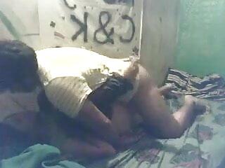 काले जोड़े सफेद विनम्र का हिंदी में सेक्सी मूवी एचडी उपयोग करता है