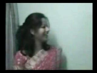 गांठदार टैनलाइन के साथ हिंदी पॉर्न मूवी भव्य आबनूस किशोर एक रसदार चेहरे हो जाता है