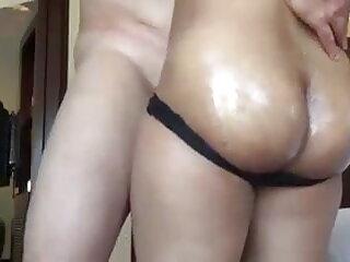 गर्म milf अच्छे स्तन विशाल नकली सेक्सी मूवी वीडियो हिंदी में सीएस को युवा मुर्गा बेकार है
