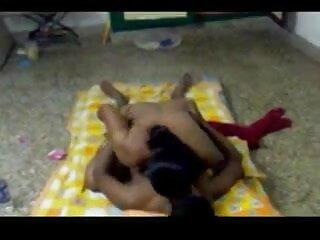 बड़े फुल सेक्स हिंदी मूवी स्तन गोरा उसे बिल्ली बिस्तर पर बढ़ा दिया जाता है