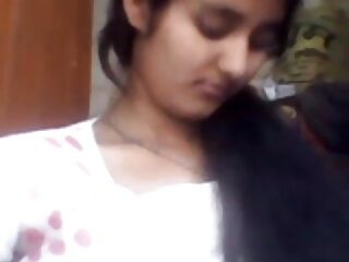 एम्बर और एक अन्य लड़की को कुछ एक्स एक्स एक्स हिंदी मूवी वीडियो मुर्गा मिलता है
