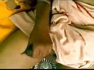 भव्य श्यामला किशोरों सेक्सी फिल्म वीडियो फुल कैम पर नग्न हो जाता है